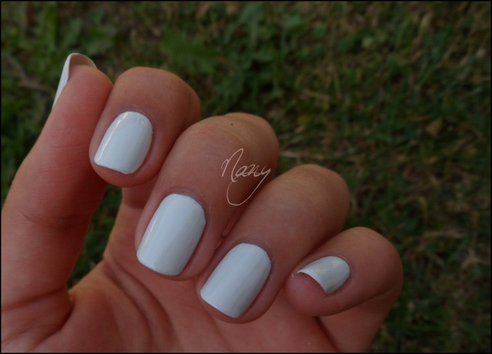 OPI - My Boyfriend Scalls Walls (2)