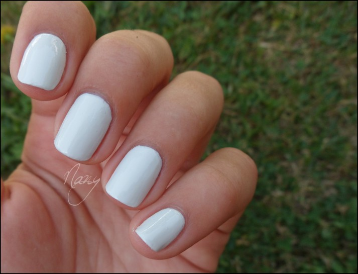 OPI - My Boyfriend Scalls Walls (5)