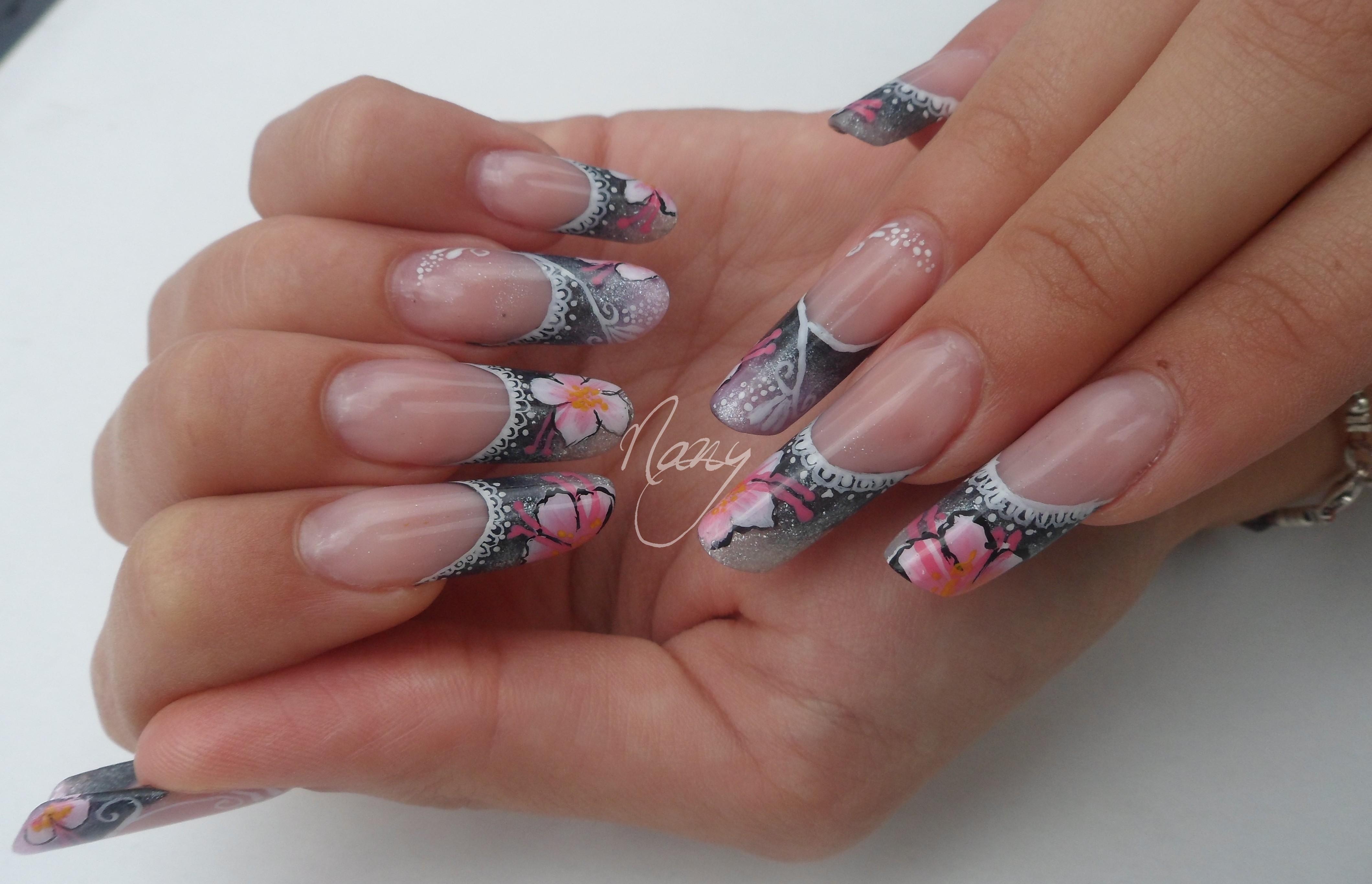Forme pipe les ongles de nany - Forme des ongles ...